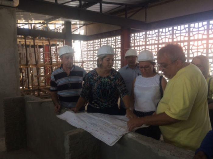 Visita a obra do mercado em Esperantina