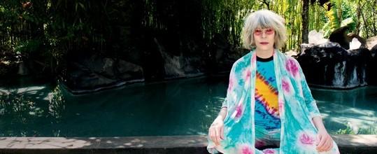 """""""Essa sou eu, com meu cabelo branco"""", diz Rita Lee em entrevista"""