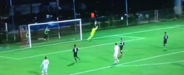 Filho de Zidane leva frangaço em vitória do Real Madrid