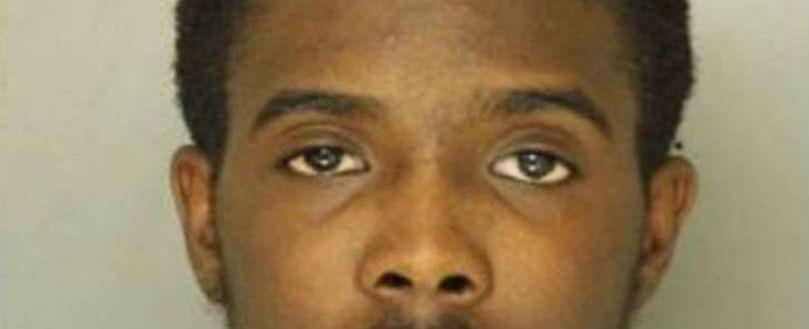 Homem é preso após fazer namorada beber água sanitária para abortar