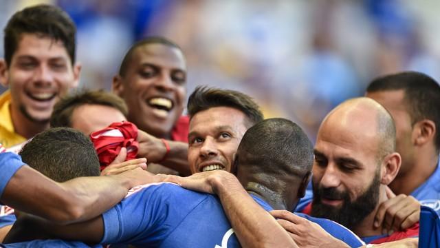 Mano poupa zagueiros e mantém mistério na escalação do Cruzeiro