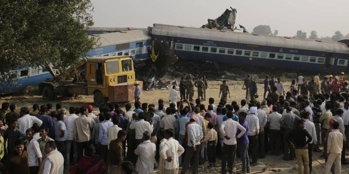 Acidente de trem deixa mais de cem mortos na Índia
