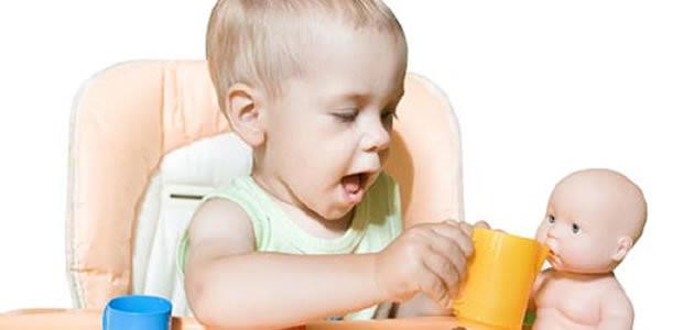 Crianças que brincam com bonecas são mais empáticas