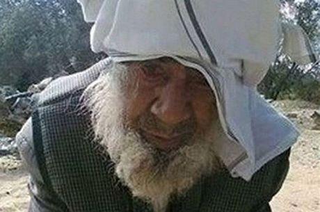Idoso de 100 anos é decapitado por radicais do Estado Islâmico