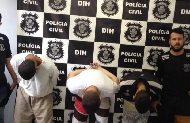 Vídeo mostra traficante de drogas matando catador a pedradas