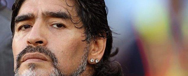 Maradona diz ser 'vergonhoso' as mulheres  falarem sobre futebol