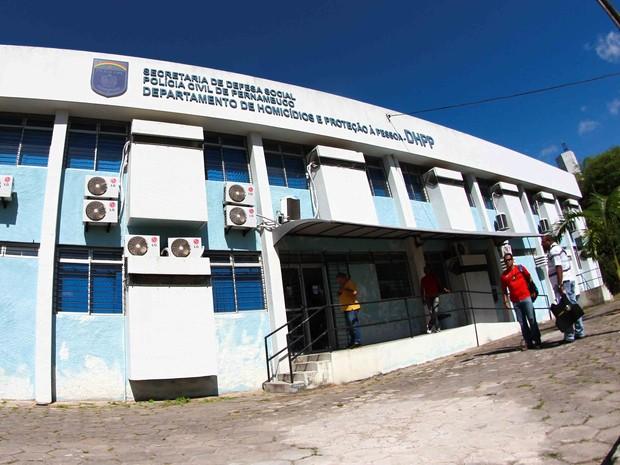 Departamento de Homicídios e Proteção à Pessoa (DHPP) fica na Zona Oeste do Recife (Crédito: Marlon Costa/Pernambuco Press)