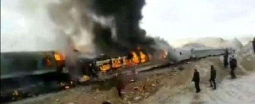 Colisão de trens deixa  cerca de15 pessoas mortas e outras feridas