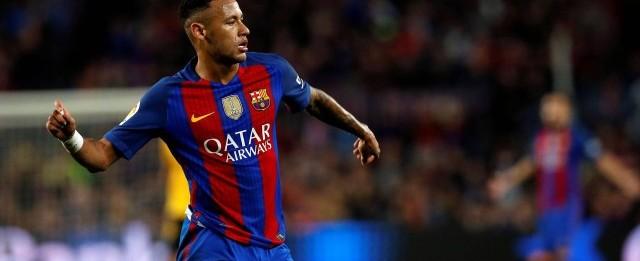 Neymar quebra seu recorde pessoal de assistências por ano