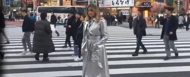 No Japão, Sasha Meneghel brilha em campanha de moda; fotos
