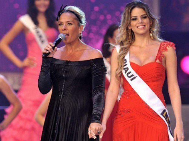 Ex-Miss Piauí 2011 Renata Lustosa