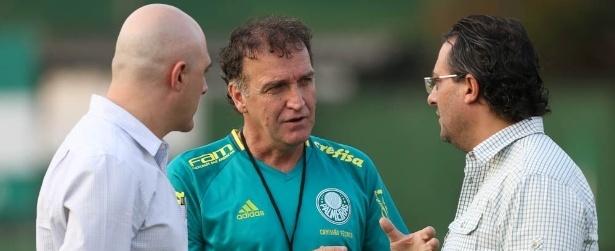 Palmeiras se divide em festa, título e eleição para troca de Nobre