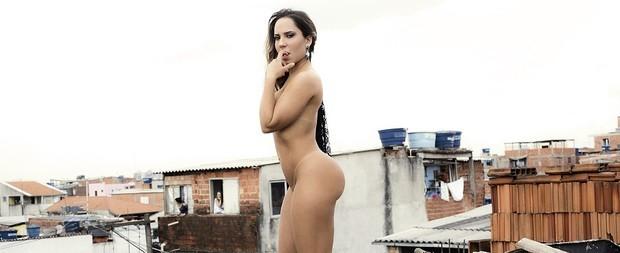 Mulher Melão diz que vai desfilar completamente nua no carnaval