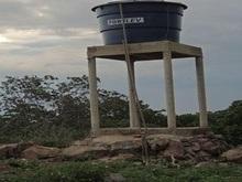 Chafarizes quebrados deixam moradores sofrendo, sem água