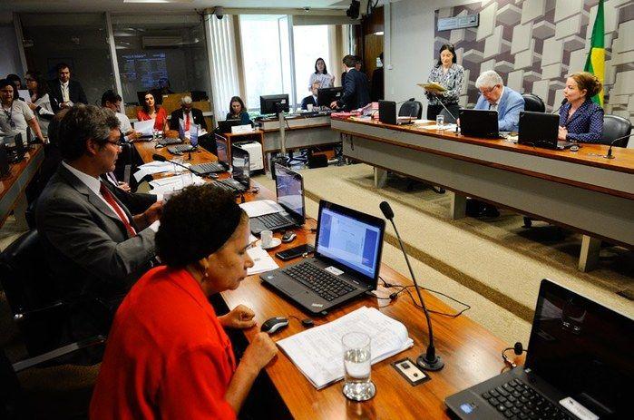Regina Sousa na Comissão de Assuntos Econômicos do Senado (Crédito: Agência Senado)
