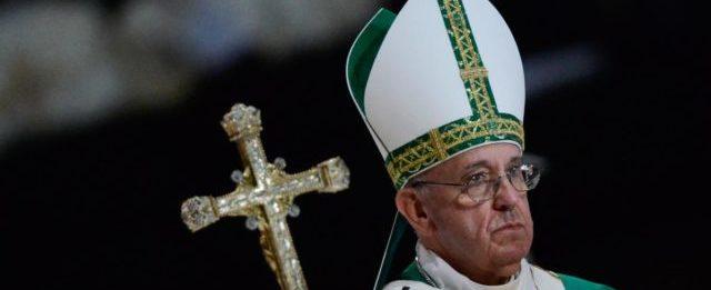 Papa Francisco lamenta acidente com a Chapecoense