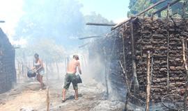 Incêndio destrói casas na cidade de Porto