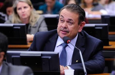 Deputado Silas Freire critica deformação do pacote anticorrupção