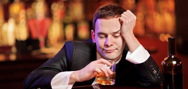 Por que ficamos tontos quando estamos bêbados?
