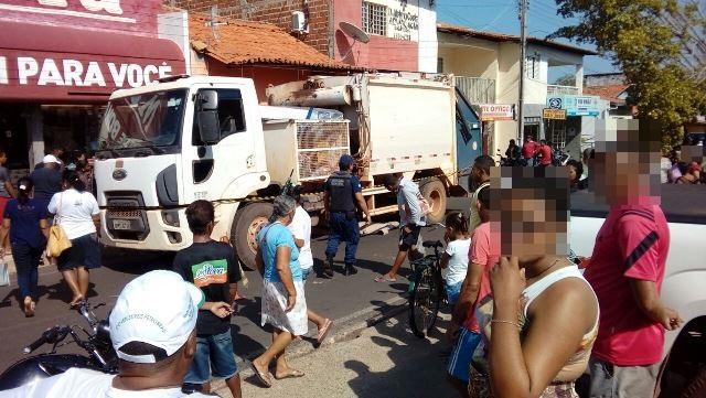 Motorista do caminhão fugiu sem prestar socorro (Crédito: JF Agora)