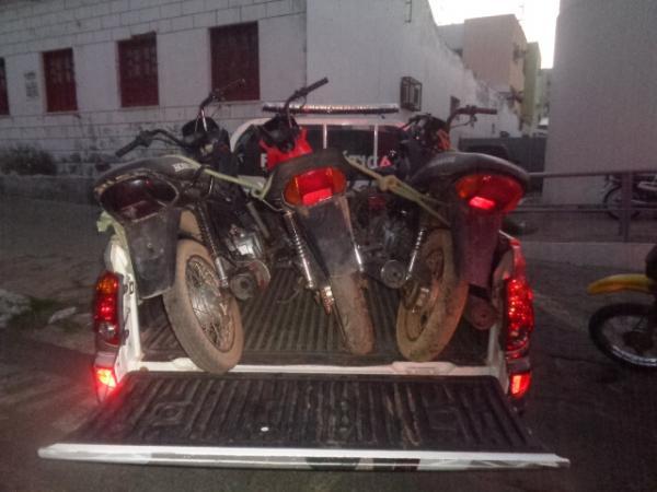 Motocicletas recuperadas na ação (Crédito: Reprodução)