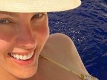 Ana Hickmann exibe barriga chapada e seguidores elogiam na web