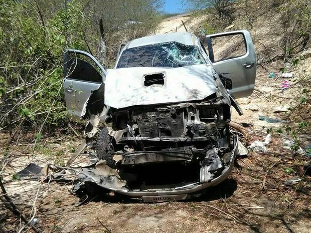 criminosos eram os ocupantes da caminhonete  que tombou  (Crédito: Divulgação)