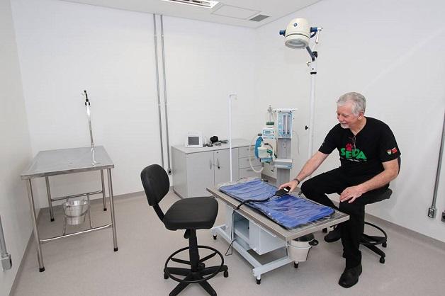 Bilionário doa verba para construção de hospital público animais