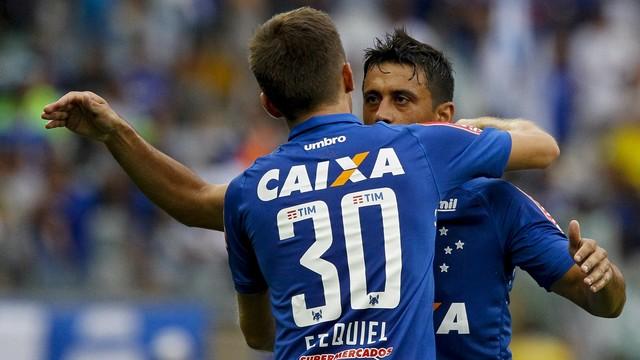 Cruzeiro bate o Corinthians e tira o rival da Libertadores