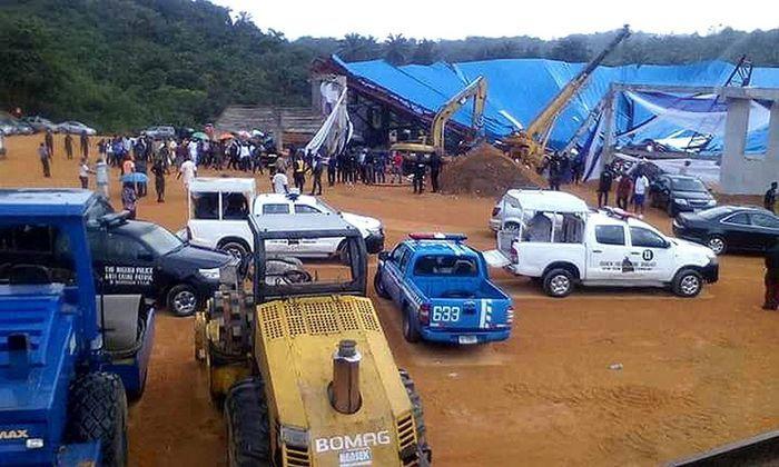 Imagem mostra teto que desabou na Nigéria