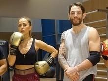 Duda Nagle exibe tanquinho em dia de treino com Sabrina Sato