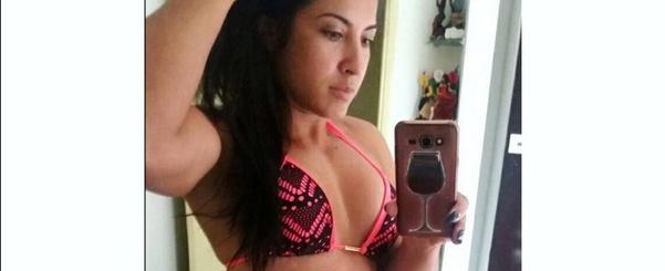 Priscila Pires arranca elogios de seguidores ao posar só de biquíni