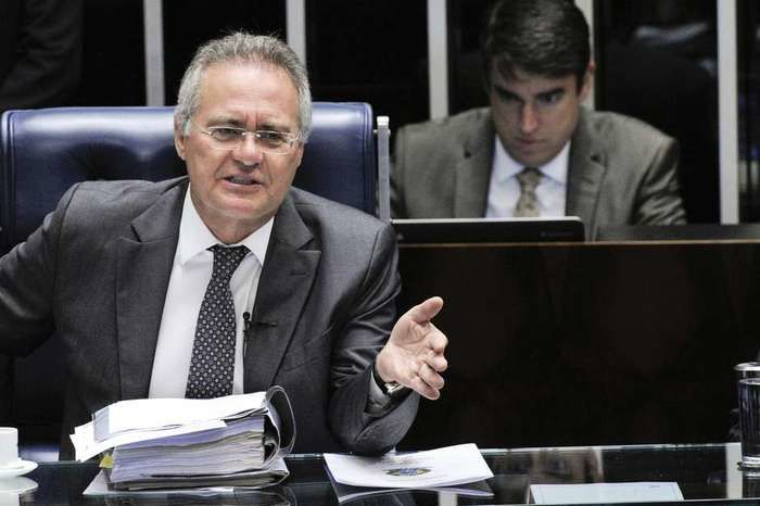 Renan Calheiros preside sessão da PEC do Teto (Crédito: Folhapress)