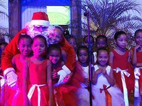 Festividades natalinas são oficialmente abertas em Oeiras
