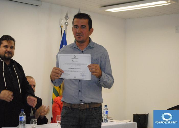 Prefeito, Vice, vereadores eleitos e suplentes são diplomados   - Imagem 11