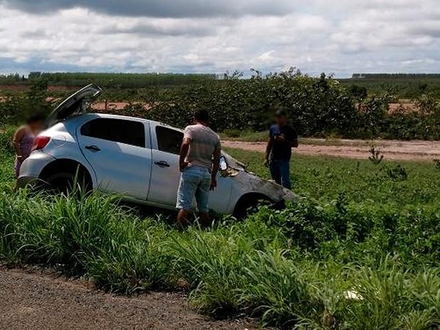 Carro em que seguia a família que vinha para o Piauí (Crédito: Blogbraga/Repórter Paiva)