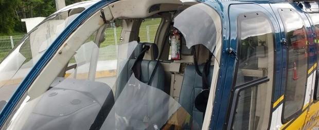Helicóptero da PRF faz pouso forçado em rodovia após bater em urubu