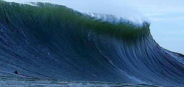 Maior onda marítima da história é registrada no Atlântico