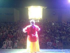 Caravana do humor encerra temporada em Picos e reúne multidão
