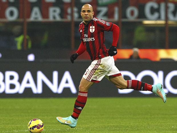 Alex em jogo pelo Milan (Crédito: Getty)