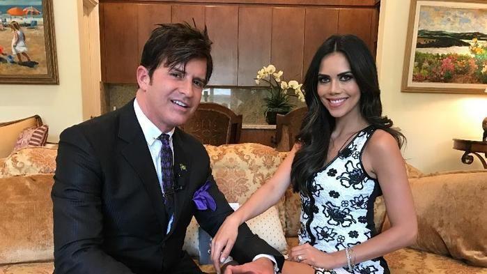 """Dr. Rey com Daniela Albuquerque no programa """"Sensacional"""" (Crédito: Reprodução)"""