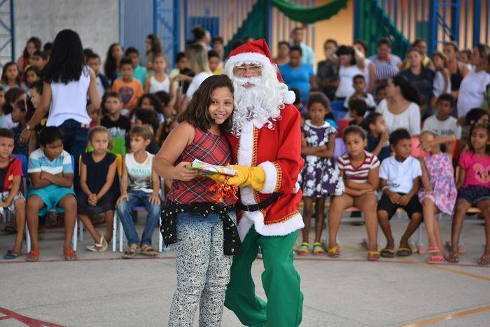 Entrega de Presentes - Papai Noel dos Correios na Casa Meio Norte (Crédito: Gabriel Piauilino)