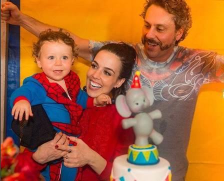 Alexandre Nero faz festão de aniversário para o filho