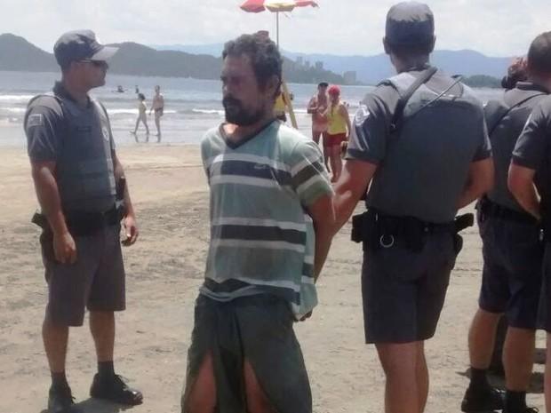 Homem é agredido após tentar matar criança afogada em Santos