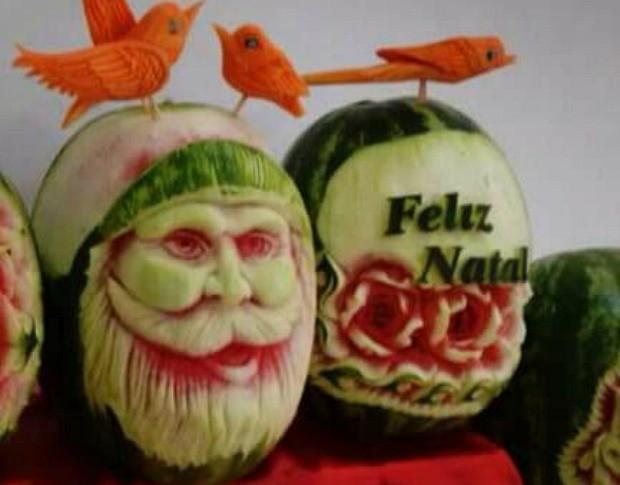 Papai noel e árvore de Natal em frutas (Crédito: Arquivo Pessoal)