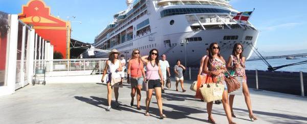 Cerca de 20 mil turistas chegam em navios ao Rio neste sábado (24)