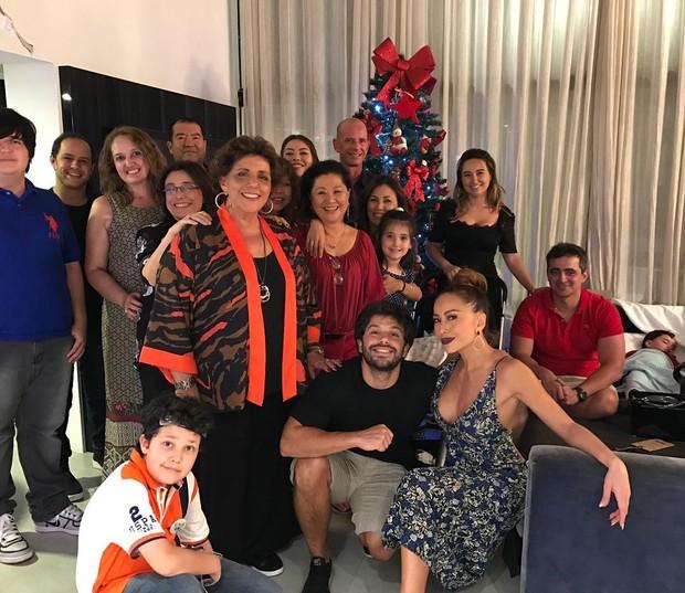 Sabrina Sato e Duda Nagle reúnem familiares em noite de Natal