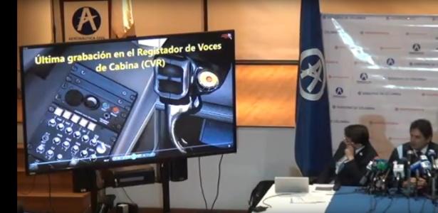 Autoridade colombianas mostram gravação da cabine do avião da Chape antes de queda
