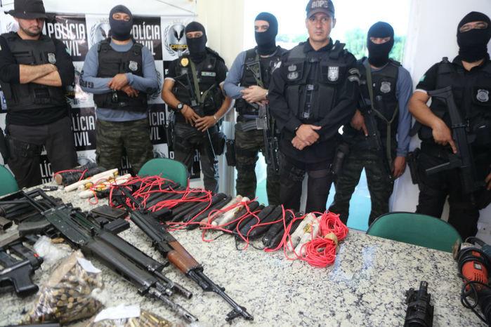 Armas apreendias com assaltantes de banco no Piauí