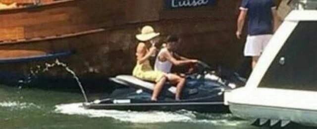 Fã registra passeio de jet ski de Neymar e Bruna Marquezine no Rio